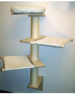 Wandkratzbaum Mika von Pet Fun hält sicher an der Wand und ist mit zwei Hängematten und einem Bettchen ausgestattet
